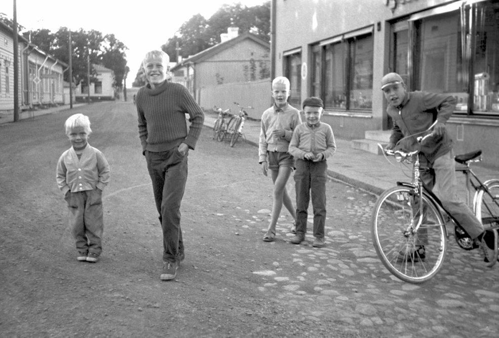 Aatos Åkerblomin ainutlaatuiset valokuvat Loviisan kaupungin museoon kootussa Paparazzi-näyttelyssä 3