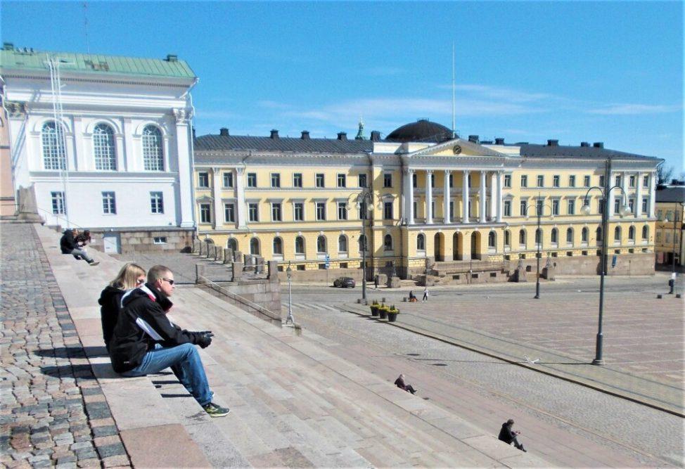 Arkkitehti Carl Ludvig Engelin (1778-1840) elämäntyötä esittelevä valokuvanäyttely avataan hänen Elimäelle suunnittelemassaan Moision kartanon päärakennuksessa Engelin syntymäpäivänä 3.7.2020 klo 13.00 1