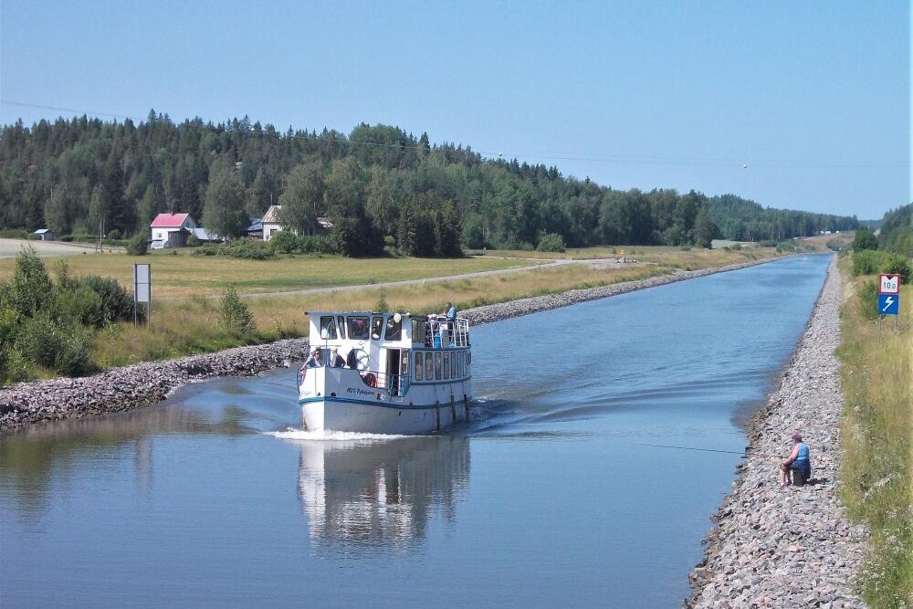 M/S Pyhäjärvi risteilee Heinolasta Kimolan kanavalle aina ke-iltoina sekä myös pe 20.8. ja 27.8. klo 17-22. Lauantaisin laiva matkaa Heinolasta klo 09-10.30 Iitin Vuolenkosken rantatorille, josta se ajaa joka lauantai klo 12-15 ja 15-18 risteilyt myös Kimolan kanavalle. 2