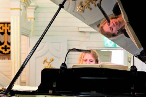 kulttuuritie Pianisti Laura Mikkola, Iitin Musiikkijuhlat Kuva: Miia Närkki