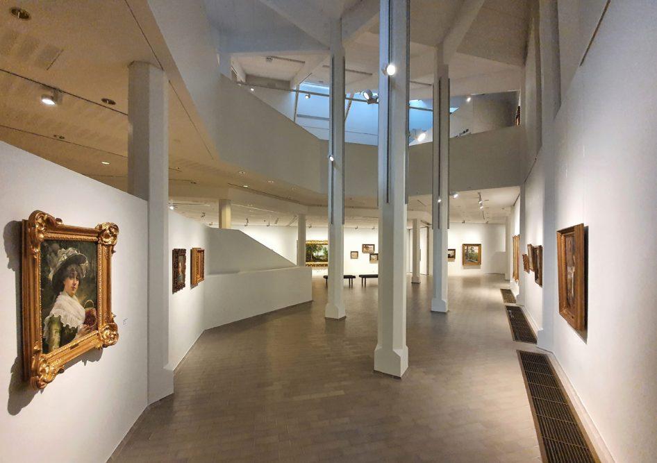 Kouvolan taidemuseo Poikiloon vierailulle saadut Emil Aaltosen säätiön taideaarteet sisältävät hienoja teoksia Suomen 1800-luvun ja 1900-luvun alkuvuosikymmenten sekä 1500 –1700 -lukujen muusta länsimaisesta taiteesta 1