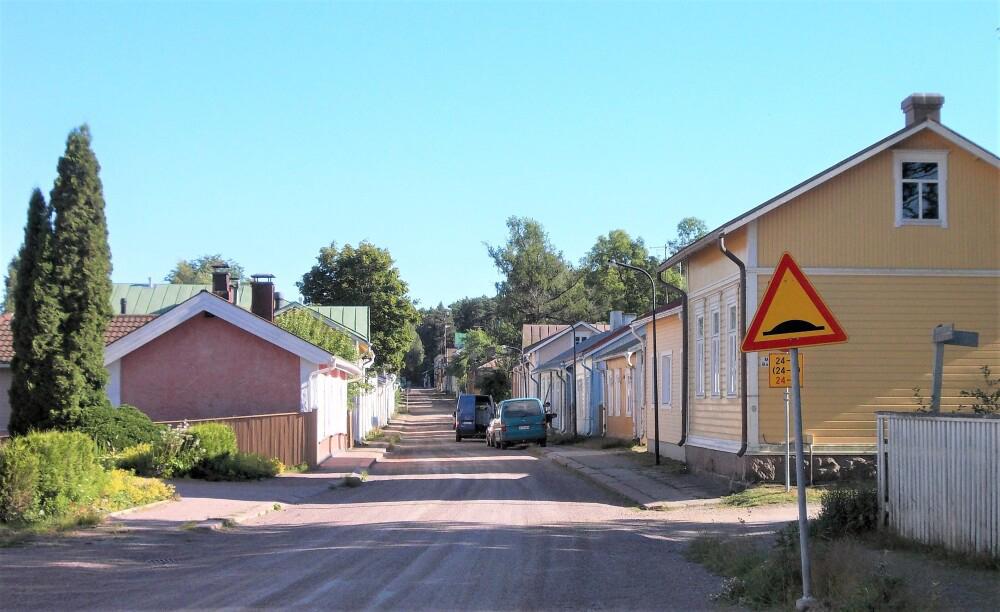 Vanhojen talojen, puistojen ja kukkapihojen sekä taiteen ystävien viikonloppu Loviisassa ja Strömforsin ruukissa Ruotsinpyhtäällä 1