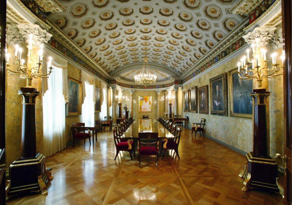 Arkkitehti Carl Ludvig Engelin elämäntyötä esittelevä valokuvanäyttely Moision kartanon päärakennuksessa 4.10.2020 saakka 1