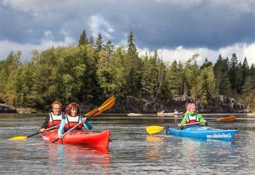 Seikkailuviikari Oy:n kanoottiretki Kymijoella